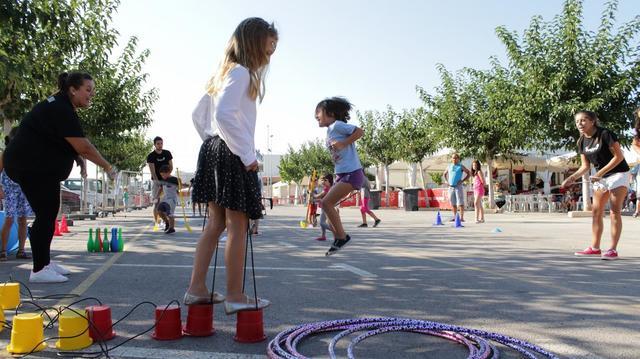 Jugant Jugant Abre Las Fiestas A Los Mas Pequenos Con Juegos Y
