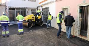 Serveis P�blics converteix parcialment en zona de vianants el carrer de Ja�n i posa fi a problemes d'inundacions