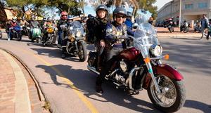 M�s de 200 motos es concentren en Vila-real per a ajudar a Jes�s Due�as, el xiquet que pateix distonia miocl�nica