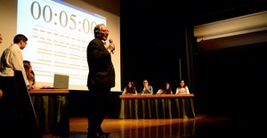 Els alumnes de Flors preparen la final nacional de la Lliga de Debat escolar