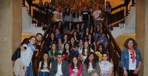 Un grup d'escolars de Val�ncia apr�n valenci� amb alumnes de Carmelites de Vila-real