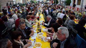 El Sopar de ve�ns supera les 2.000 persones en l'�ltim dissabte de festes