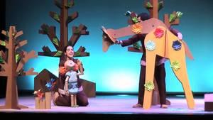 Escena familiar - Martina y el bosc de paper