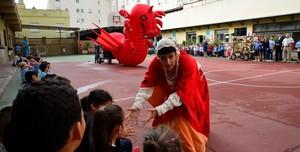 La flama del Correllengua inicia el recorregut per les escoles de Vila-real