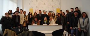 Els alumnes de Comer� de Fundaci� Flors visiten l'Ajuntament