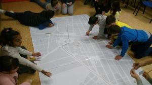 Camins Escolars imparteix tallers per a afavorir l'autonomia dels xiquets en el seu trajecte segur i sostenible al col�legi
