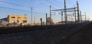 L'Ajuntament gestiona la instal�laci� d'una tanca de seguretat en tot el recorregut del tren al seu pas per la ciutat