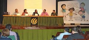 Les mares i pares d'alumnes de Vila-real analitzen l'horari escolar en la jornada 'Quina escola volem?'