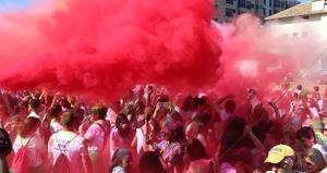 L'Holi Colours Run ompli de colors i animaci� els carrers de Vila-real