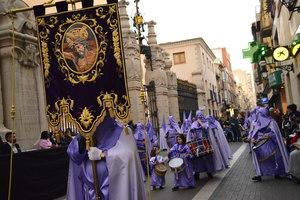 Les confraries de Vila-real participen a la desfilada del Dimecres Sant