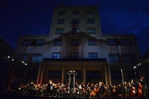 La passi� musical Laquima Vere ompli la pla�a Major