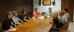 Els locals d'oci de Vila-real s'uneixen a la campanya del Bus de la Marxa a Benic�ssim i regalaran els tiquets per a evitar que els joves facen �s del vehicle particular en eixir de festa