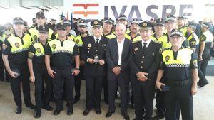 La Generalitat condecora 16 policies locals i la UMEPOL de Vila-real