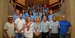 L'Ajuntament rep l'equip de futbol femen� d'EUA Amartey Soccer