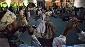 El Raval i el grup Sedeiro porten a les festes una mostra del folklore m�s genu� de la Plana i Zamora