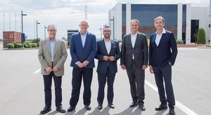 Benlloch mostra el desenvolupament i projectes industrials de Vila-real a una delegaci� de Ford Espa�a