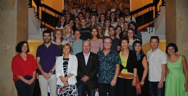Recepción a alumnos de Suiza de intercambio con el IES Broch i Llop