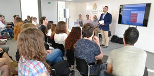 Vila-real implica el jove talent local en l'estrat�gia DUSI i crea un equip de treball amb els 55 joves dels programes Avalem