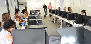 L'Aula Mentor inicia el curs amb els ex�mens d'octubre