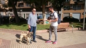 Una campanya consciencia sobre la neteja de residus canins