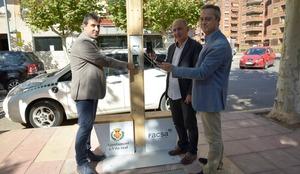 Vila-real i FACSA llancen un projecte pilot d'aprofitament de l'energia generada per la xarxa d'aigua per a la recarrega de m�bils