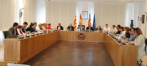 El Ple aprova el pagament de factures i una declaraci� institucional per a defensar el programa pluriling�e del Jos� Soriano