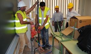 Les obres d'emerg�ncia en Escultor Ortells donen soluci� t�cnica segura i efica� a la detecci� de ciment alumin�s en el col�legi
