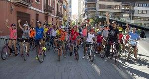 Medi Ambient consciencia sobre la mobilitat sostenible amb tallers, jocs i una bicicletada al Termet